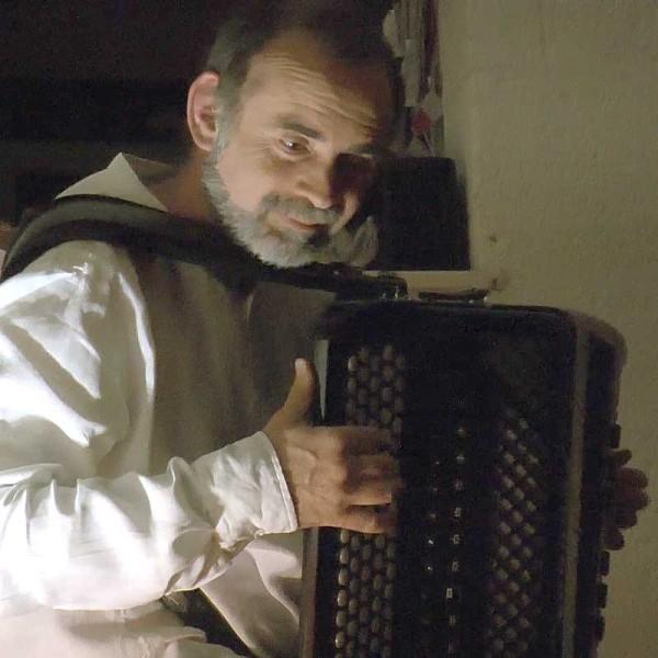 Solo sur canapé – Michel Macias (vidéo)